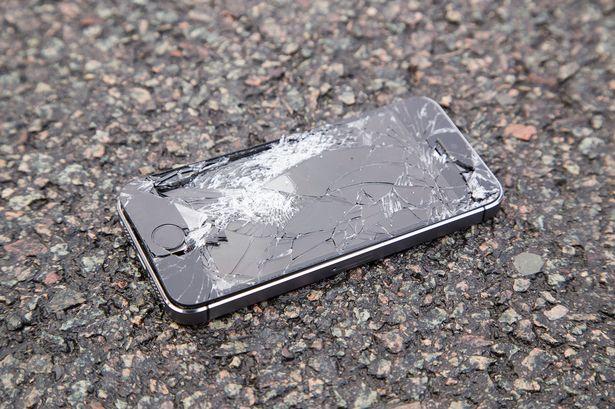 broken iphone image
